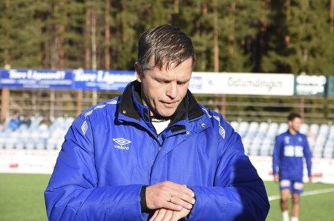 NYTT SKRITT: Jarl André Storbæk har valgt å gå til rettslige skritt mot sin tidligere arbeidsgiver, Nybergsund IL Trysil. Han saksøker klubben for utestående lønn og feriepenger, samt det han hevder er usakelig oppsigelse.