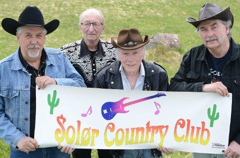 SENTRALE: Fire sentrale skikkelser i Solør countryklubb, fra venstre Tor Arne Rønning, John Stensberg, Roar Skybakmoen og Trond Kneppen.