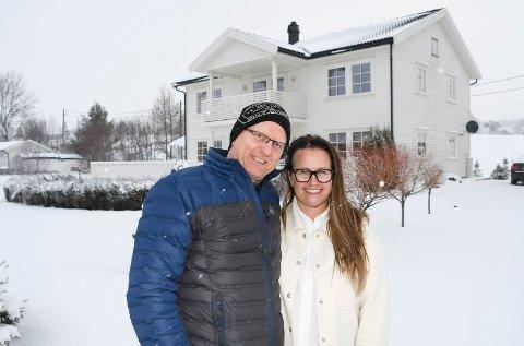 Jakten er over: Inger og Agnar Jørgensen har siden i fjor sommer vært på jakt etter drømmehuset på Jessnes.  Nå er ekteparet i mål.