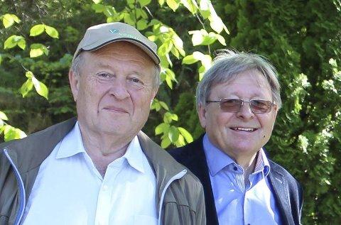 Frode Bakken hadde med seg Venstre-tungvekter Odd Einar Dørum på pressetreff om seminaret.
