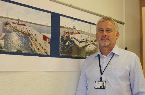 BYMILJØ: Teknisk sjef Torben Jepsen i Grenland Havn er stolt over rehabiliteringsarbeidet som pågår på Søndre Dampskipskai i Langesund. Fordi losbygget måtte rives, er anleggsarbeidet forsinket. Det planlegges nå åpning av Søndre Dampskipskai 22. juni.