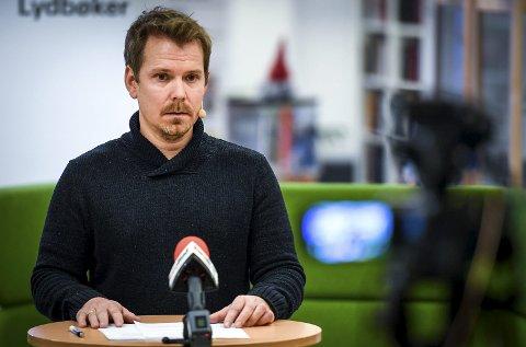 KONTROLL: Kommuneoverlege Frode Berg mener å ha kontroll på utbruddet, og bedre kontroll på smitten generelt i Rana. Men likevel forventes flere positive tester i tiden som kommer. Foto: Øyvind Bratt