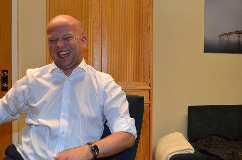 I GODT HUMØR: Sp-leder Trygve Slagsvold Vedum var i ekstra godt humør dagen etter valget.
