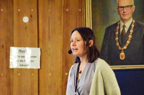 VARSLER STØYKRAV: Klima- og miljøsjef Bente Elsrud Anfinnsen sa at støykrav vil bli fastsatt i februar/mars.
