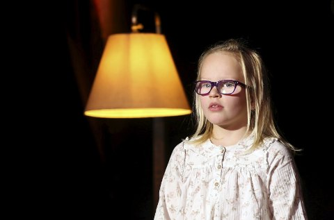 Sjarmerte: Mari Røysland Skårberg kveda på Riksscena lørdag. Publikum likte henne godt. Foto: Knut Utler