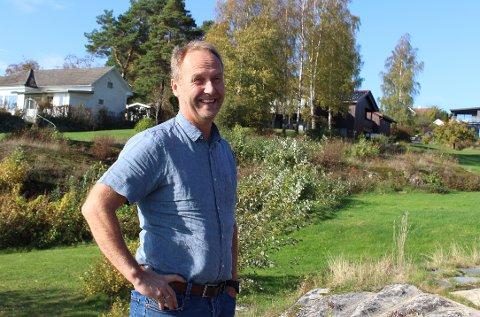 SKJELSVIK: Tor Gautestad er prosjektleder for karbonfangstanlegget som skal bygges ved Norcem i Brevik. Han og kona Annette flyttet i 2019 inn i nytt bolighus som de bygde i Vetle Mules veg på et lite regulert boligfelt. – Jeg er opprinnelig fra Ulefoss og er vokst opp i landlige omgivelser. Det passer perfekt å bo her innerst i Eidangerfjorden.