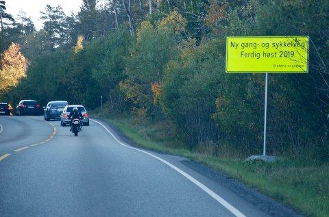 Sykkel- og gangsti på Røykenveien fram til fylkesgrensa mot Røyken skal stå ferdig i 2019.