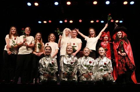 Den nye teatergruppen i Røyken og Lier kulturskole.