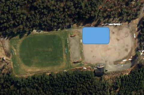 PLASSERING: Sykkelparken ønskes ved siden av gressbanen hos Tofte Fremad IF.