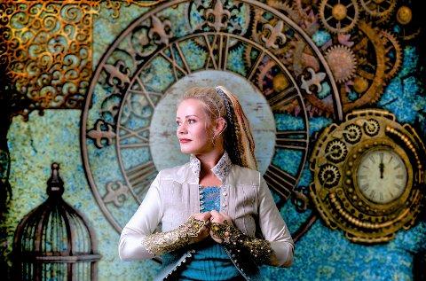 JUBILANT: Unni Wilhelmsen markerer sine 50 leveår med en serie konserter, en av dem i Sekkefabrikken hvor hun har stått på plakaten lenge uten å kunne gjennomføre som følge av koronapandemien. - Det skal selges 100 eksklusive billetter, sier Lillian Støa i Sekkefabrikken.