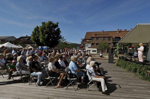 Spente: Publikum var spente på å høre Listhaug sin åpningstale. Begge foto: Svein-Ivar Pedersen