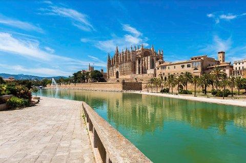 Palma er hovedstaden på Mallorca og har over 400.000 innbyggere.