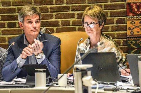 MANGLENDE TILLIT FRA ORDFØREREN: På møtet i Oslo 30. mai får Gudrun Grindaker den brutale beskjeden av Bjørn Ole Gleditsch: Jeg har ikke tillit til deg.