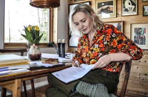 SØKSMÅL: Hanne Westrum Hvammen opplyser at stevningen inneholder krav om erstatning for økonomisk tap hun har blitt påført, og sannsynlig framtidig tap. Sandefjordlæreren har 27 år igjen av yrkeslivet.