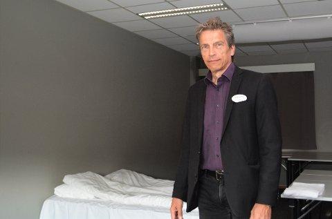 """SOVE PÅ MØTEROM: Her på konferanserommet """"Østfold"""" måtte daglig leder ved Torp Hotel, Geir Alfheim, innlosjere to gjester da hotellet ikke hadde andre ledige rom."""