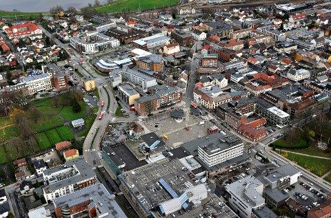 FLYTTER TIL SARPSBORG: Stadig flere melder adresse til Sarpsborg. I løpet av 2017 har befolkningen økt med 313 personer.