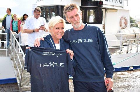 GIKK OMBORD: Hav(b)rus med initiativtaker Øyvind Arntzen fikk tilskudd av regjeringen, og Siv Jensen fikk t-skjorte og omvisning på MS Bergvåg.