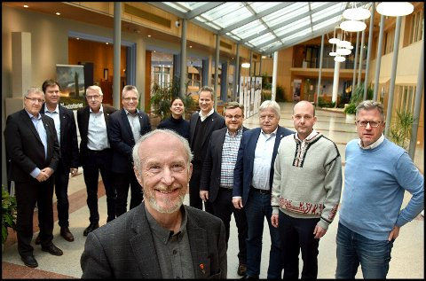ORDFØRER-MØTE: Østfold-ordførere møtte fylkesordfører Ole Haabeth tidligere denne våren, for å diskutere eierskapet i Østfold Energi.