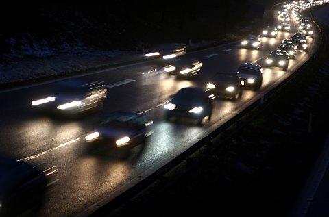 Tre av ti biler har feil med lysene når de kommer til EU-kontroll, ifølge en fersk oversikt.