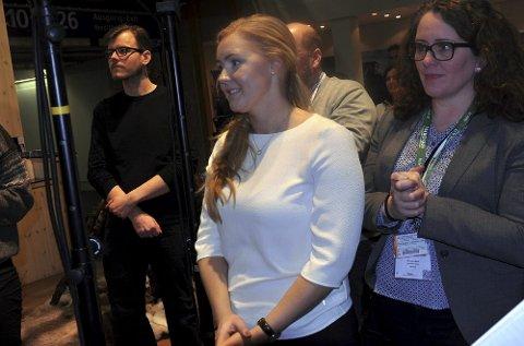 Før var hun motstander av tvungen sidemålsundervisning. Nå gleder Julia Brännström Nortug seg til å skrive nynorsk.