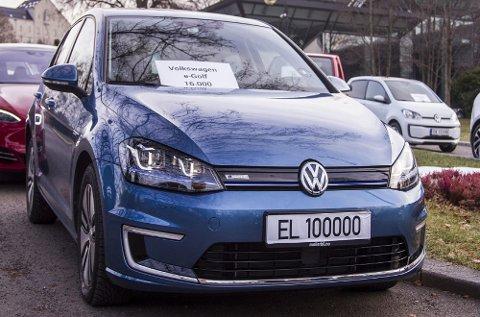 Volkswagen e-Golf er Norges mest solgte elbil og var naturligvis med i markeringen av at det nå er 100.000 elbiler på norske veier.