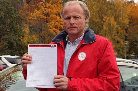 En skikkelig kontrakt er viktig ved bruktbilkjøp, sier generalsekretær og jurist i KNA, Børre Skiaker.