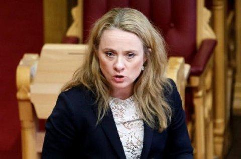 Arbeids- og sosialminister Anniken Hauglie vil at færre skal ha rett til dagpenger fra neste år. – Hvor mange dette vil berøre, kommer an på hvordan folk tilpasser seg, sier Hauglie.