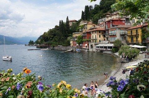 Dropp kjente byer som Roma, Firenze og Venezia og ta heller kjæresten med til i Nord-Italia, som her ved Comosjøen, tipser reiseekspertene.