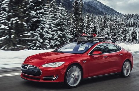 Sp-nestleder Ola Borten Moe vil kutte i støtten til dyre elbiler som Tesla.