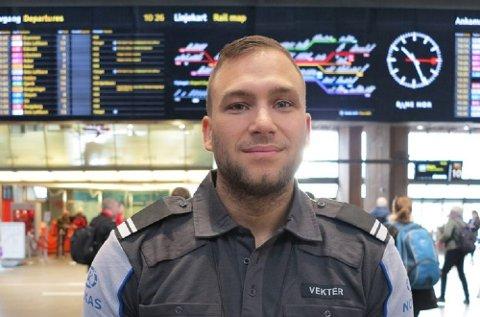 Å redde liv er en del av jobben, forteller Marius Berg Heggli, vekter på Oslo S.