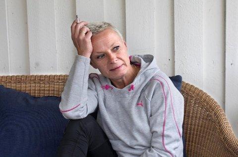 Ragnhild Elisabeth Stensholt mener det ikke går an å leve av den laveste trygdesatsen for uføre hvis man er enslig.