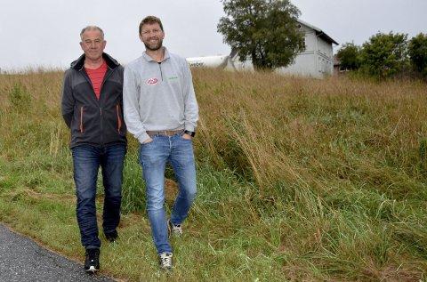 Byggherrer: Tom Boger (t.v.) og Per Richard Sandvik har startet firmaet Skoleveien as. De har samarbeidet tidligere også. – Tom er en byggmester jeg stoler på, sier Per Richard Sandvik.