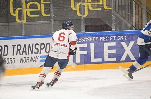 AMBISJONER: Eirik Hafstad Johansen spiller back på Lillehammer. Målet er en dag å leve av hockeyen.