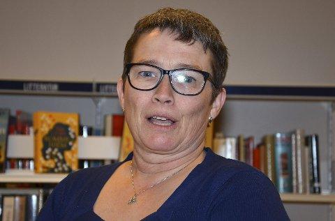 HISTORISK: Biblioteksjef Nina Håkonsen ønsket velkommen til foredrag om Skiptvets bygdebok.