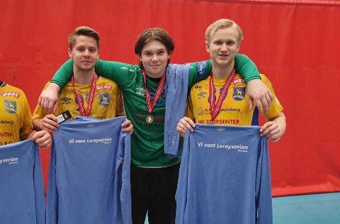 Stolte: Phillip Aardal (19), Noah Andersen (18) og Daniel Bystrøm (18) er utrolig glade for alt de har klart sammen.
