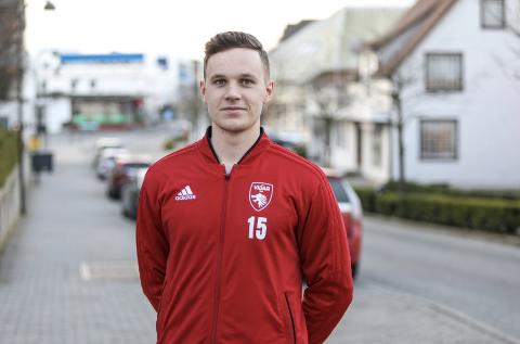 Vetle Hellestø forlater Vidar og skal kjempe for at Sola FK skal rykke opp igjen neste sesong.