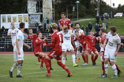 Sola og Vidar rykket begge ned fra 2. divisjon. Neste år møtes de igjen i 3. divisjon. Bildet er fra møtet på Sola stadion i oktober.