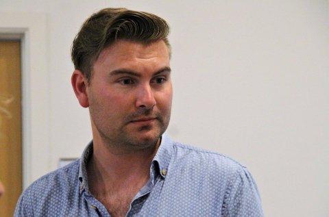FRAMLEIS NORSKE: Stortingskandidat Erik Rydningen Nyman-Apelset understrekar at ei formulering frå 2018 sikrar at det ikkje blir forbod mot norske juletre.