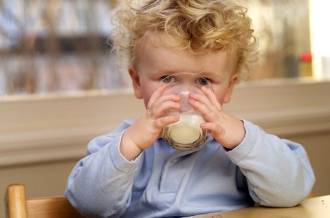 2-3 prosent av norske barn lider av melkeproteinallergi, ifølge Astma- og Allergiforbundet. (Foto: Pressebilde/ANB)