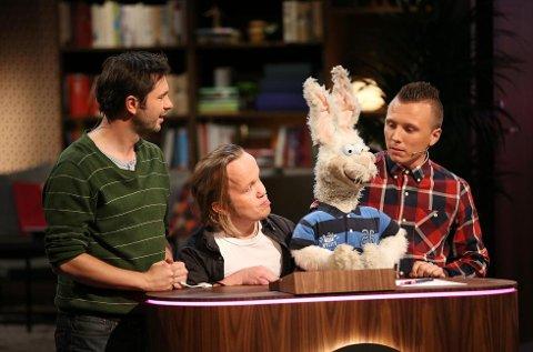 PÅ TV: Igor Dunderovic, Vidar Letho og Erik Mogeno får testet kunnskapene sine i tv-programmet «Hva feiler det deg?».