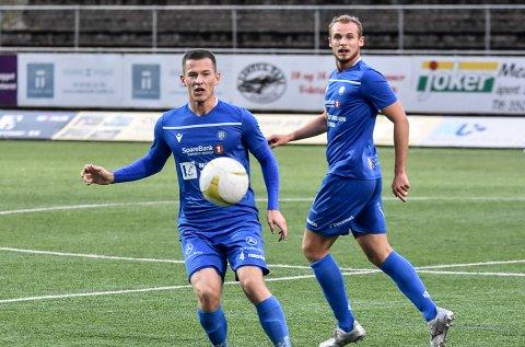SAMTALER: Notodden Fotball har begynt samtaler med tanke på nye kontrakter, og både Thomas Rømo Lillo (foran) og Sjur Lothe er spillere de vil ha med videre.