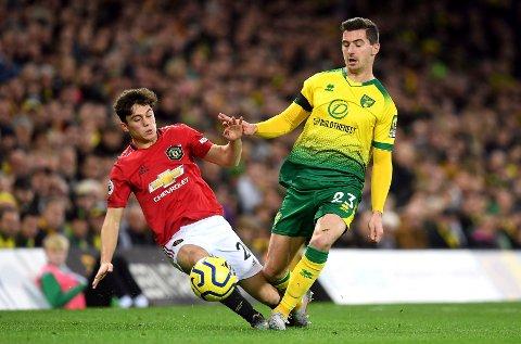 Manchester United og Daniel James slo Norwich søndag.