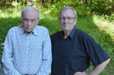 Fredik Læøset (Hemmeleg gjest, kåsør) og Bernt G. Bøe (kåsør, programleiar)