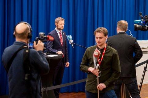 Helse- og omsorgsminister Bent Høie under den daglige pressekonferansen om håndteringen av koronasituasjonen.