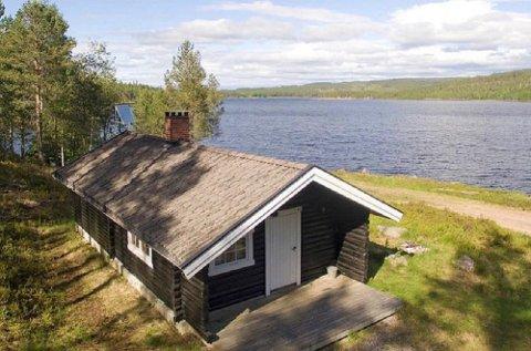 Abborbua i Våler på Finnskogen er en av de 70 hyttene som Statskog leier ut. Den har plass til seks personer og koster blant annet derfor noe mer enn de billigste utleiehyttene deres.