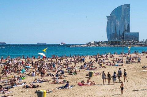 Om lag hver tiende nordmann vil i løpet av året besøke Spania, ifølge ny undersøkelse. Barcelona er blant byene som byr på alt en vinterblek nordmann kan ønske seg, og dessverre for noens del, mer til.