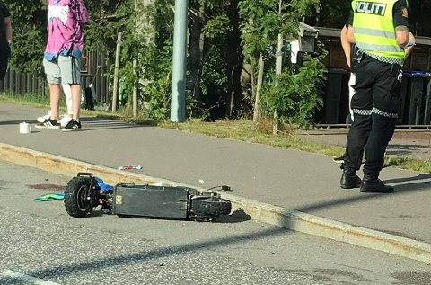 KJØRT TIL LEGEVAKT: Mannen som kjørte elsparkesykkelen mistet kontrollen. Vitner forteller om høy fart.
