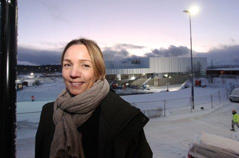 KALDE DUSJER: Tromsøbadet-sjef Siv Hege Helsing-Schrøen sier temperaturene falt i dusjene søndag.