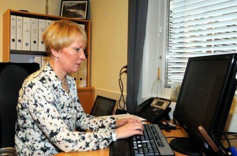 Snart ferdig: Siri Ødegaard forlèt kommuneadministrasjonen i Etnedal etter femten års teneste. – Eg har brukt mykje tid på tenkje. Men skal eg nokon gong gjera noko anna, må eg gjera det no, seier ho.ARKIVFOTO