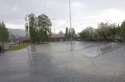 Mykje nedbør: Regnskurene var kraftige og kom tett fyrste halvdel av august.